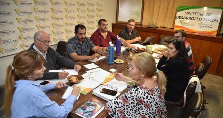 Gobierno y municipalidad se reunieron para tratar iniciativas y problemáticas de la Economía social