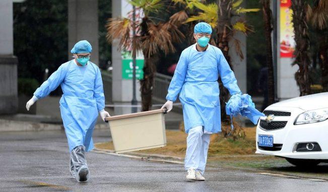 Los tests anales de covid ya son obligatorios en dos ciudades de China