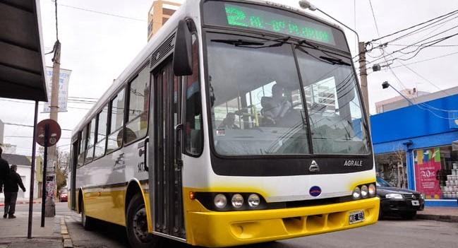 El CD trata la municipalización del transporte