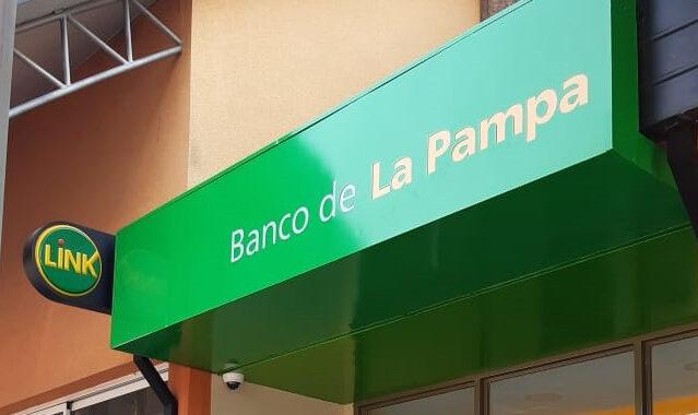 El Banco de La Pampa pone en funcionamiento dos nuevos cajeros en la estación Pampetrol de Toay