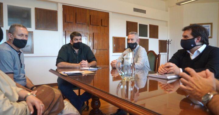 Funcionarios provinciales de reunión con la FePamCo