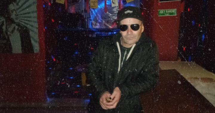 """Jake Al Rey, el último bastión del rock: """"Le dimos lugar a las bandas que no tenían cabida en la ciudad"""""""