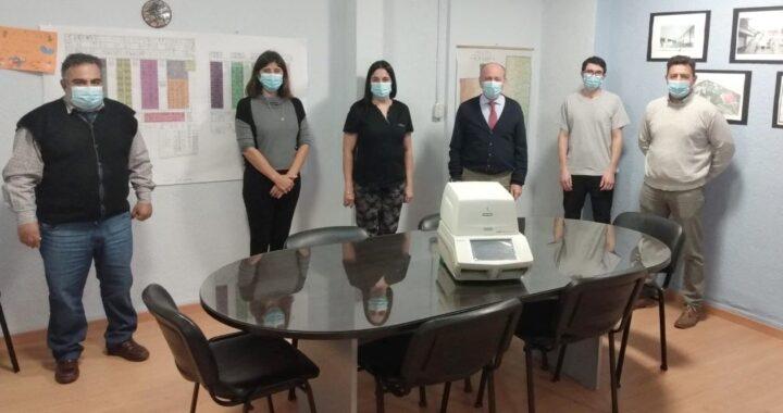 Salud incorporó un nuevo equipo para detectar Covid-19