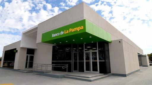 Cierre preventivo del local del Banco de La Pampa en Toay