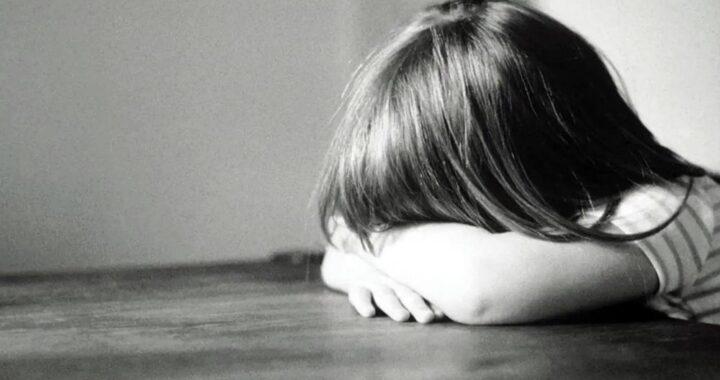 Condenaron a una madre por pegarle con una varilla de hierro a su hija de 8 años