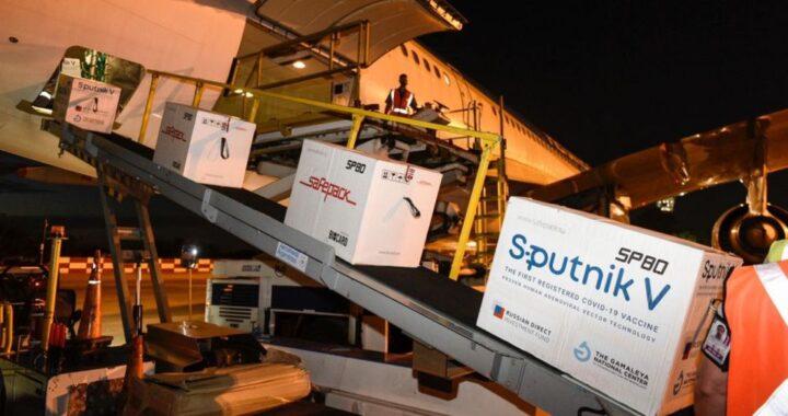 Llegaron cerca de 800 mil dosis de Sputnik V al país