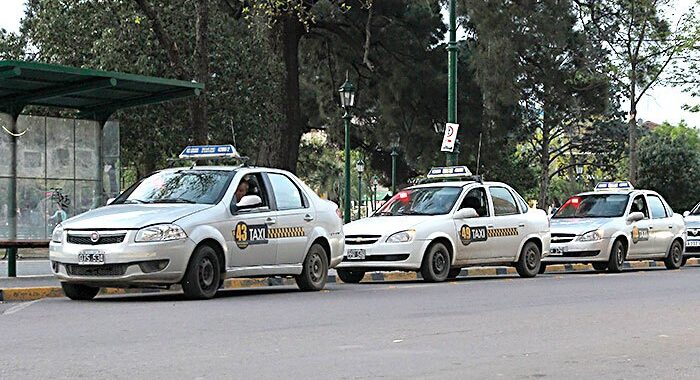 Abren la compra de pliegos para nuevas licencias de taxis en Santa Rosa
