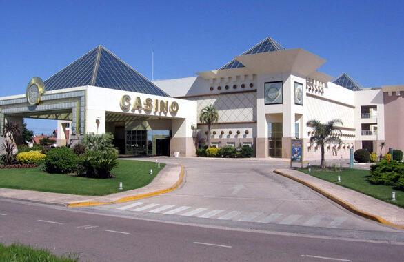 El Casino sancionó a dos empleados que se manifestaron en reclamo de mejoras salariales